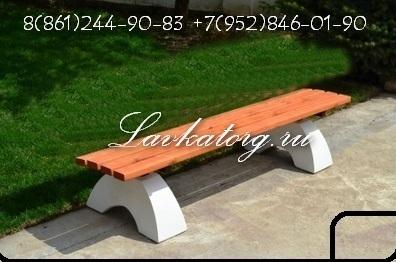 Скамейки из лиственницы на бетоне